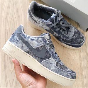 Nike air force 1 lv8 suede sneakers